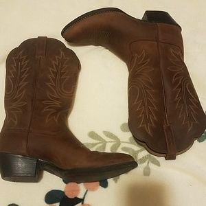 ARIAT HERITAGE R TOE WESTERN BOOTS